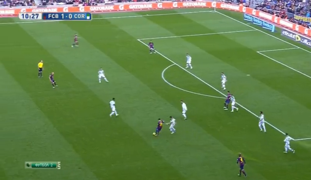 Messi exposing the weak-side defensive with diagonal play.