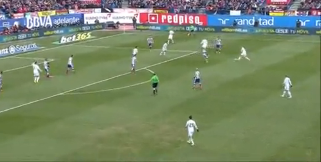 Benzema initiating the combination with Isco in a higher position - one of Real's most promising attacking movements.